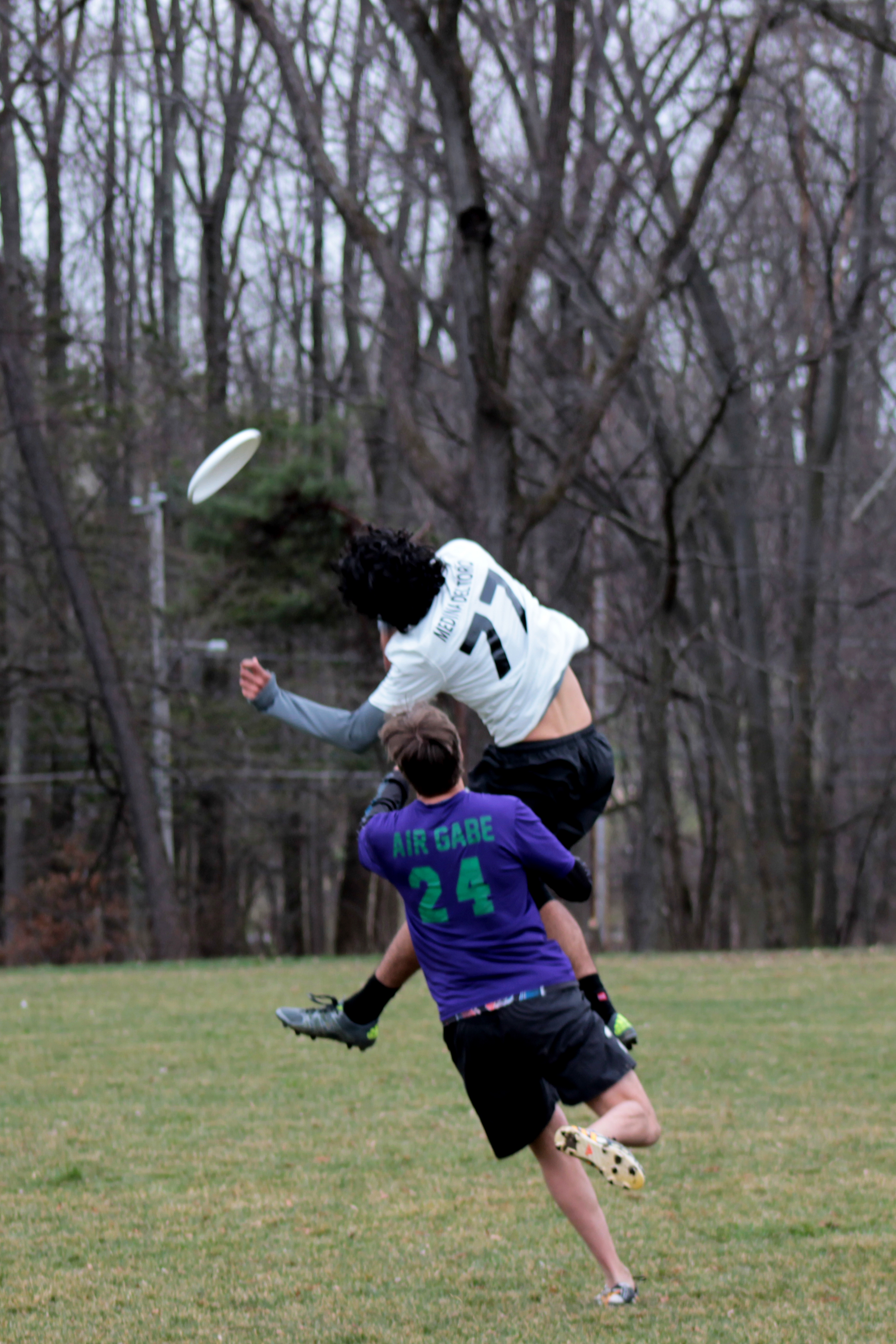 An impressive jump catch by Victor Median Del Toro '17